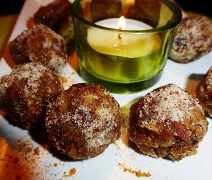 Balls aux abricots et aux noix
