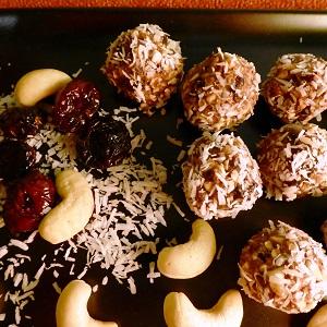 Balls de cranberries et de noix de cajou
