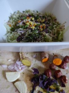 Salade de Concombre aux noisettes avec des épices