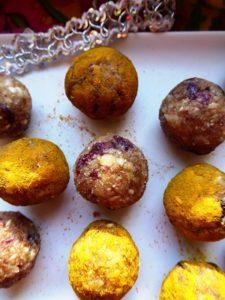 Energy balls aux noix et au curcuma